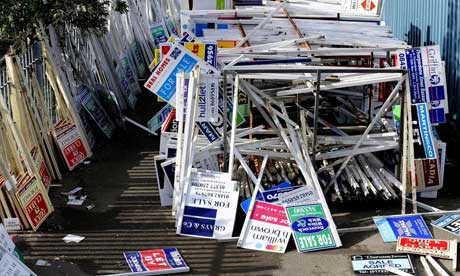 Financial Planning Perth 'For Sale' signs - from http://www.guardian.co.uk/money/2009/jun/09/rics-house-prices